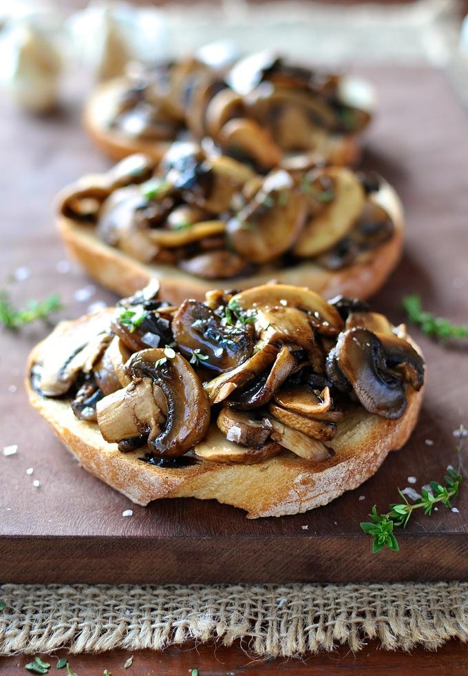 Mushroom-Balsamic-Thyme-Bruschetta.jpg