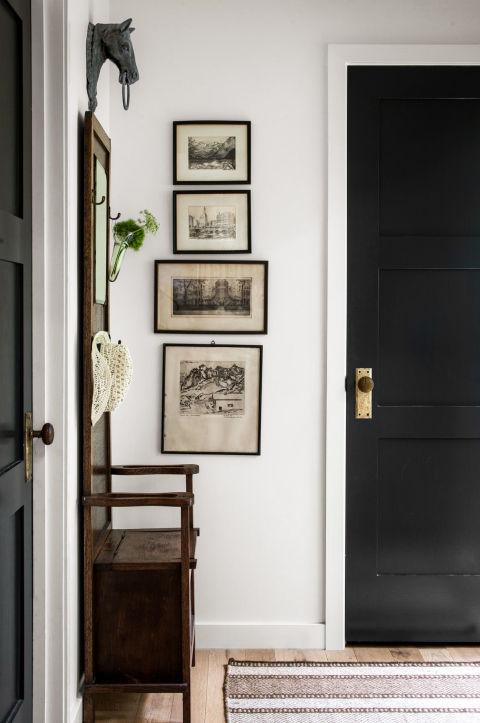 1445010978-1444855612-displaying-art-door-1115.jpg